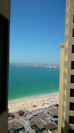 Sofitel Dubai Jumeirah Beach: Вид из номера