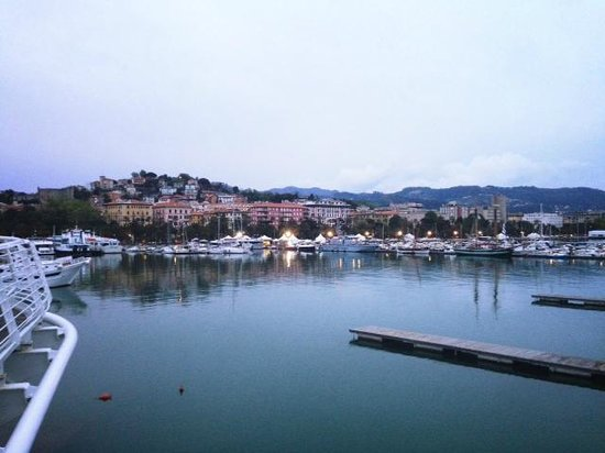 Albergo delle Spezie: La Spezia from the bridge