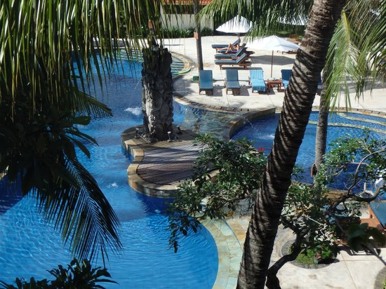 Bali Rani Hotel: Pool view