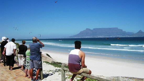 Dolphin Inn Guesthouse-Blouberg: The Inn is only a short walk to the Table View Beachfront and Dolphin Beach