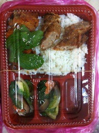 Zhu Yuan Vegetarian Restaurant: my fd's lunch box