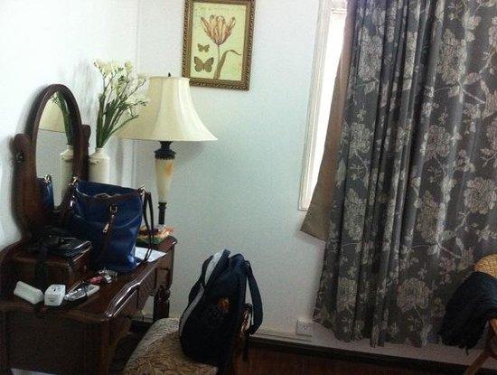 Guilin Helen's Home: Room 1