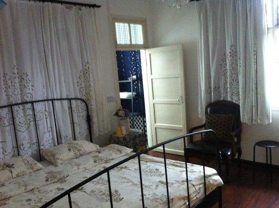 Guilin Helen's Home: Room 2