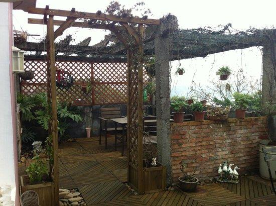 Guilin Helen's Home: Balcony