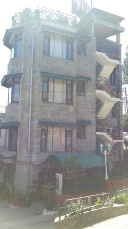 Kasauli Regency Hotel : Hotel from Outside