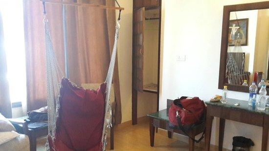 Kasauli Regency Hotel : Room