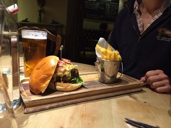 The George at Burpham: the burger!