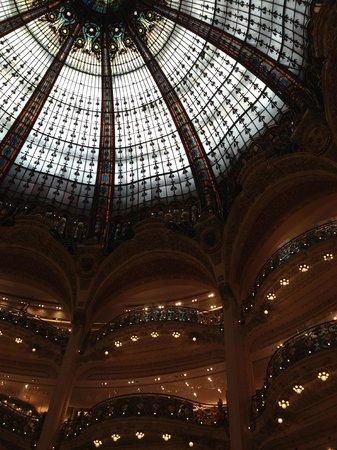 Galeries Lafayette: Particolare di cupola e balconate