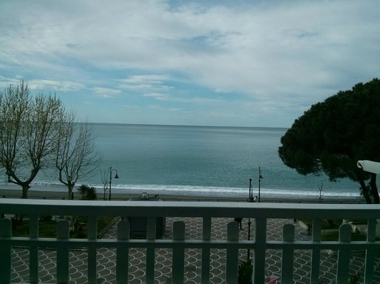 Hotel Pensione Reale: the view from the room