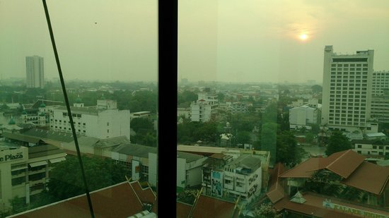 Le Meridien Chiang Mai: Loved the view from the bathtub