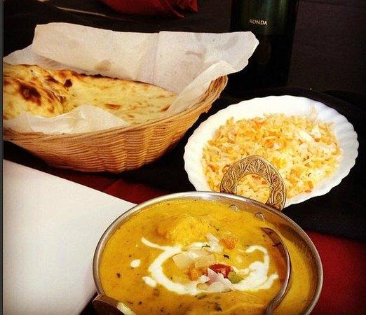 Amigos Grill Muelle Uno : Comida hindú