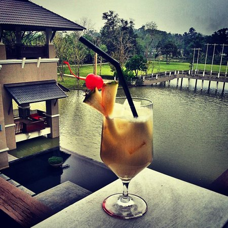 Le Meridien Chiang Rai Resort: Pina Colada at the Chill Bar