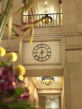 Ambassador Row Hotel Suites by Lanson Place : Lobby