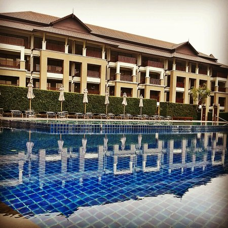 Le Meridien Chiang Rai Resort: Swimming Pool and Rooms