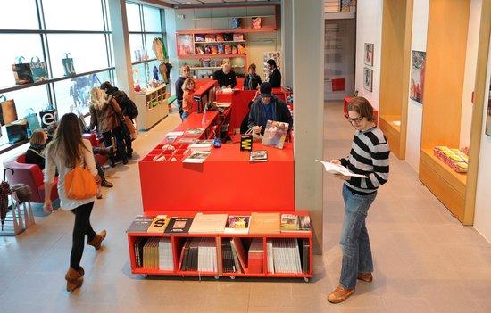 Kestnergesellschaft: Empfang und Foyer