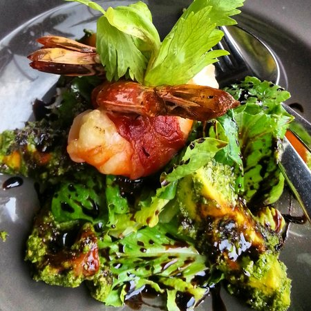 Le Meridien Chiang Rai Resort: Favola Restaurant - Prawns and Parma Ham