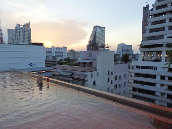 The Heritage Bangkok: piscina