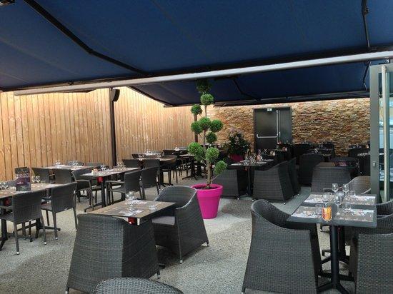 le bar Picture of Au Bureau Clermont Ferrand ClermontFerrand