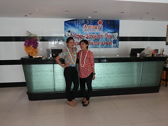 Amari Nova Suites Pattaya: Some of the fantastic personalize the reception. ready for Songkran