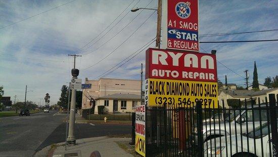 Titta Inn : View of hotel - just past Ryans Auto Repairs