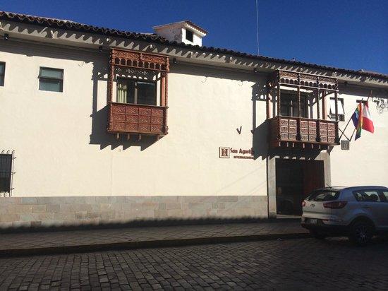San Agustin International Hotel: Front of hotel