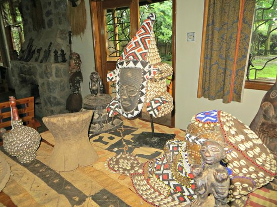 Traveler's Rest Hotel: Congolese artefacts on display