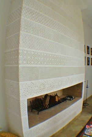 Riad Danka : cheminée sculptée