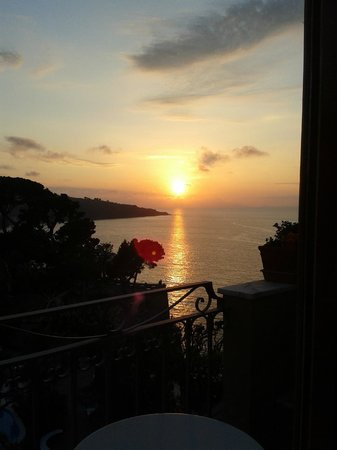 Grand Hotel Ambasciatori: View from balcony at sunset