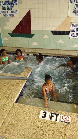 Landmark Resort : Poolside Fun