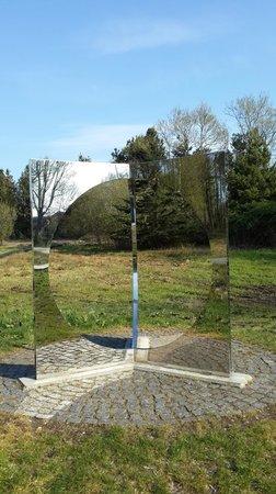 Skulpturpark Billund: зеркальные отражения