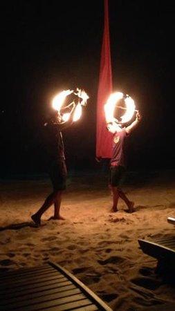 Anantara Rasananda Koh Phangan Villas: Fire Show