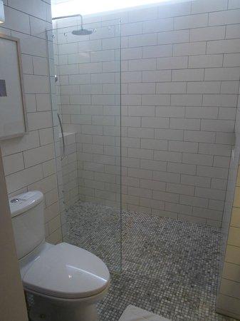 Putahracsa Hua Hin: Bathroom / Shower