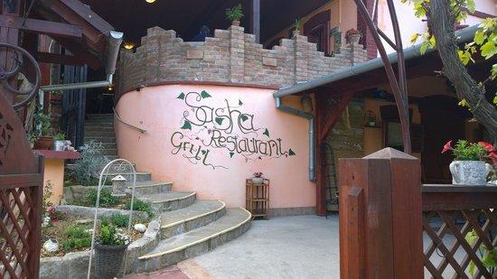 Sasha Restaurant Und Grill