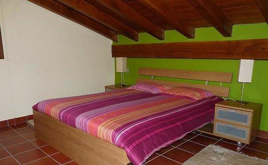 Agroturismo Kortazar : Habitación en la que dormirmos (comodísima cama)