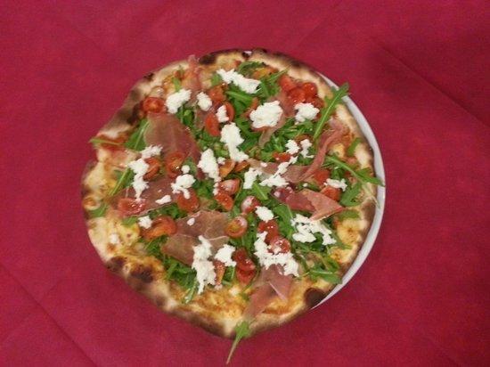 Ristorante Pizzeria La Lanterna: Pizza Siciliana - Pizzeria La Lanterna Castelraimondo
