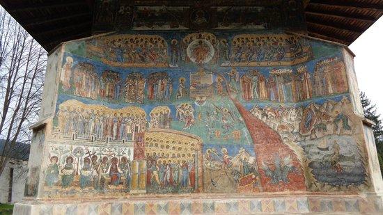 Monasterio de Voronet Bucovina: The back of the monastery