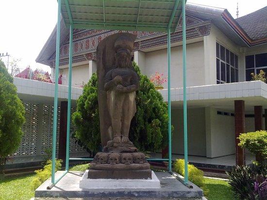 Hotels near Museum Adityawarman, Padang - agoda.com
