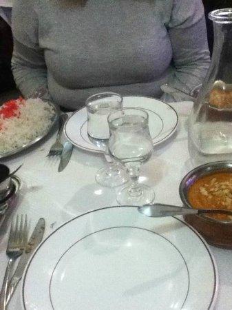 Yuvraj: Notre table (butter chicken)