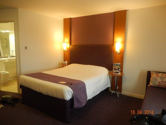 Premier Inn Edinburgh City Centre (Princes Street) Hotel : Our bedroom