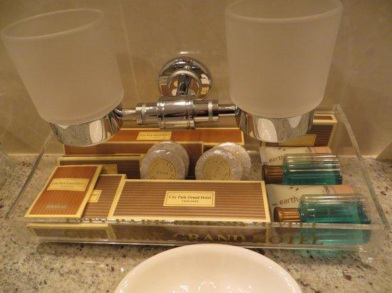 Clarion Hotel City Park Grand: fabulous toiletries