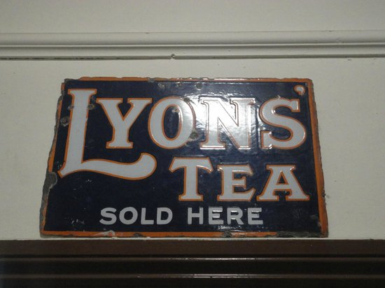 Museum of Lincolnshire Life: Metal sign
