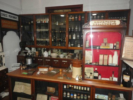 Museum of Lincolnshire Life: Chemist