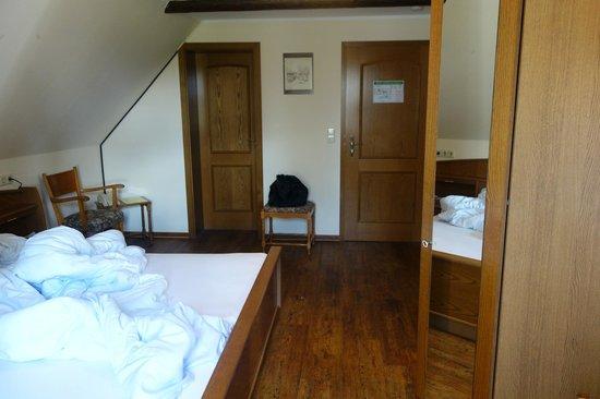 Zum Dicken Heinrich: Zimmer mit Rücken zum Fenster