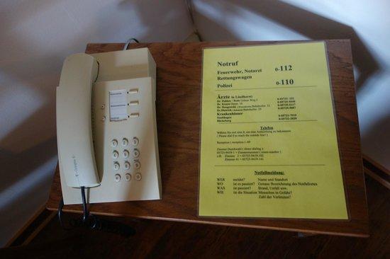 Zum Dicken Heinrich: Telefon