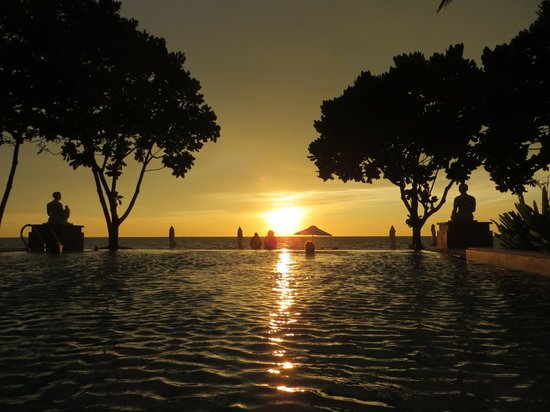 Layana Resort and Spa: Amazing sunsets