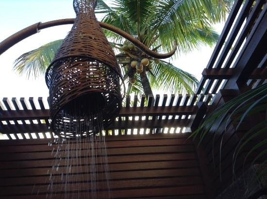 Shanti Maurice A Nira Resort: Loved our outdoor shower