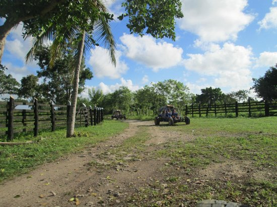 Xtreme-Buggy - Day Tours : Die andere Seite der DomRep - Dezember 2013