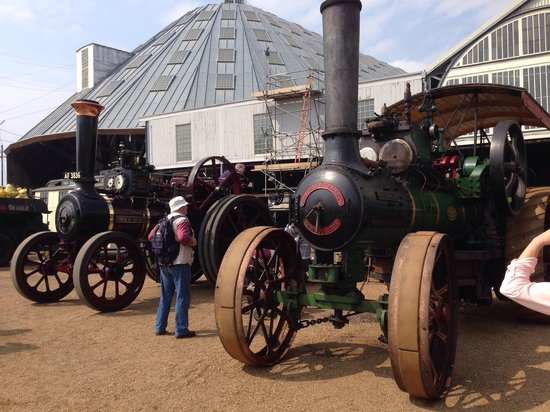 The Historic Dockyard Chatham : The steam festival Easter 2014