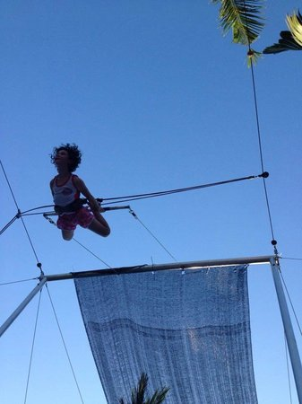 High Flyers Bali Trapeze School: learning the birds nest