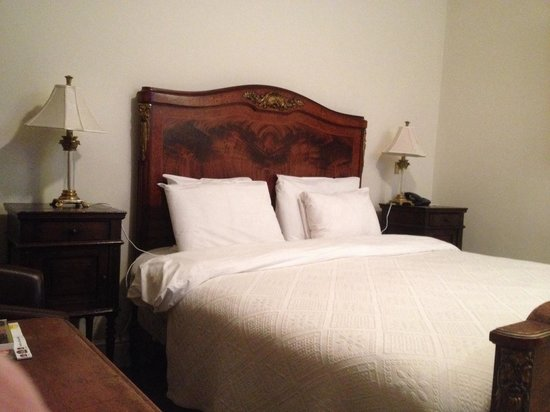 Best Western Beamish Hall Country House Hotel: Poor quality bed